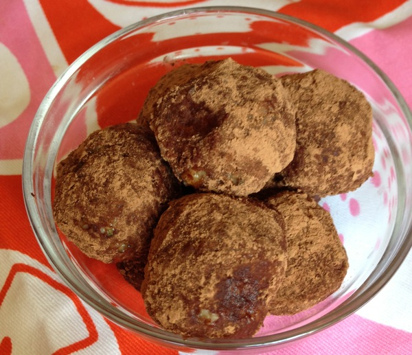 Chocolate-Almond-Butter-Balls.jpg